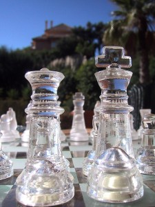 Glass_chess_pieces,_king_and_queen